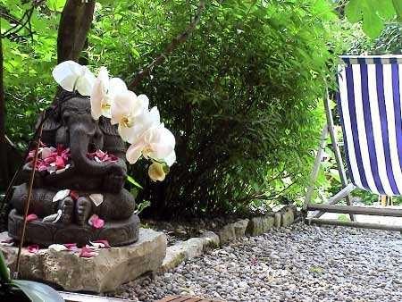 Ganesh et son orchidée